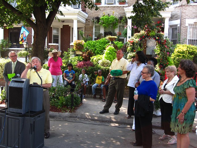 Brooklyn Borough President Marty Markowitz congratulates the winners of the 2010 Greenest block in Brooklyn contest.
