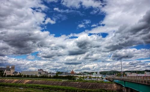 blue sky japan photoshop canon buildings landscape aperture cityscape 日本 hdr cloudscape aichiprefecture 愛知県 mikawa photomatixpro 岡崎市 eos450d 本州 中部地方 davidlaspina rebelxsi kissx2 chūbu 1855efsis topazadjust okazakicity japandave japandavecom 三河国 honshū