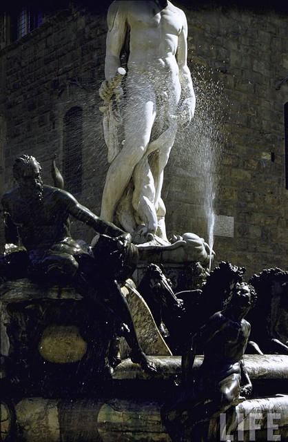 Fountain of Neptune in Piazza della Signoria, Florence, by Gjon Mili 1959