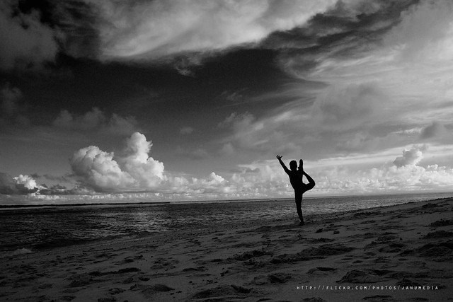 Bali Yoga Images : Perfect Balance with Bali Yoga Session at Bali Cliff Beach