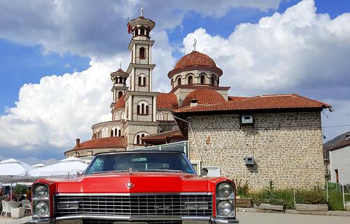 20170602155511 albania albanien church cadillac deville
