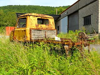 Yellow (and rusty) UNIMOG