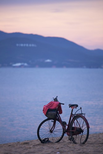 pink blue sea beach sunrise outdoor vietnam goodmorning 海滩 bycicle nhatrang 日出 越南 ef70200mmf4lisusm 芽庄