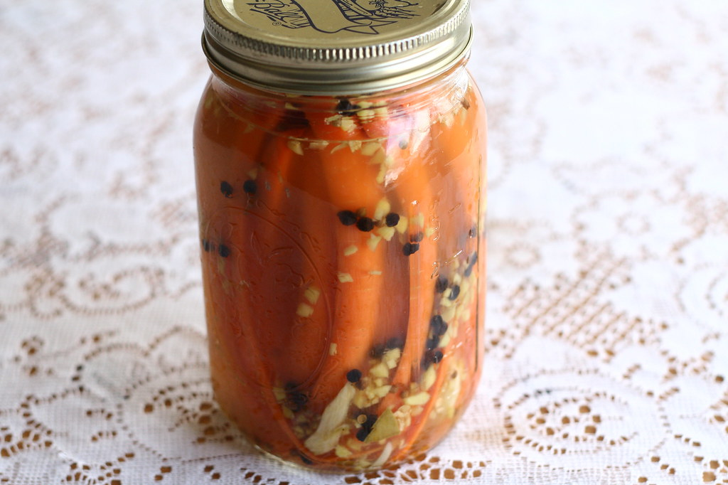 Gingery Pickled Carrots