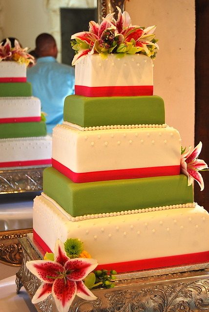 Lime green and hot pink wedding cake