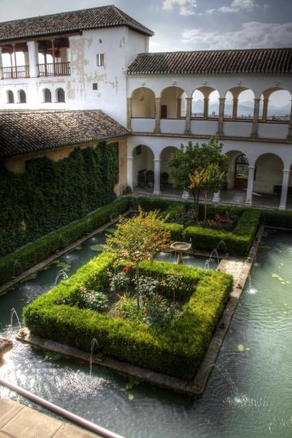 Patio del cipr s de la sultana generalife alhambra - Patios de granada ...