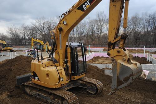 yellow excavator DSC_1586