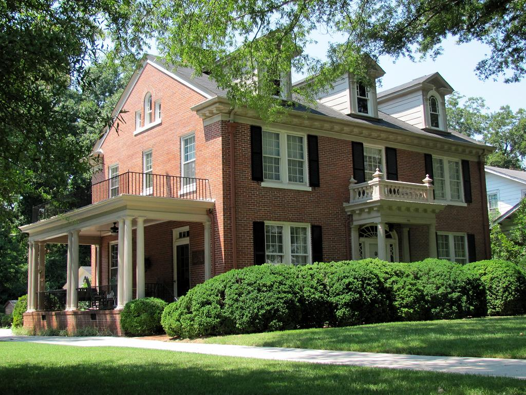 Big front porches on pinterest country house exteriors - Front porch designs for brick homes ...
