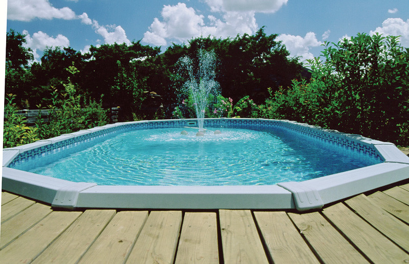 In-pool aerating fountain | Swimming pool ideas, advice, tip… | Flickr