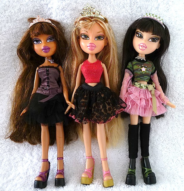 bratz princess dolls deboxed flickr photo sharing
