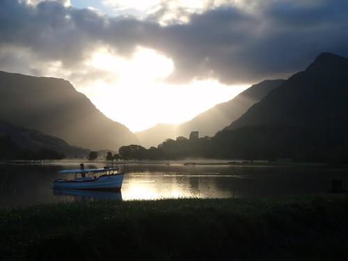 Sat, 2010-11-06 08:24 - Sunrise over Llyn Padam