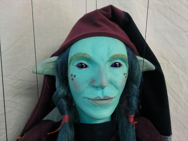 Duende azul, marioneta