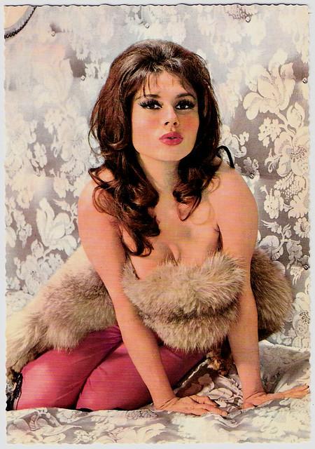 голая женская красота прошлого века фото