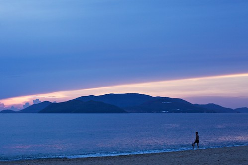 pink blue sea beach sunrise 50mm outdoor vietnam goodmorning 海滩 nhatrang carlzeiss 日出 越南 蔡司 planart50mmf14 芽庄