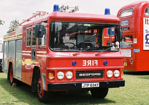 Bedford Fire Engine JTP634Y at Alton 18 July 2010