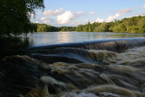 river dam silentshutter