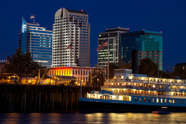Delta king and sacramento skyline at night explore for Anthony s italian cuisine sacramento