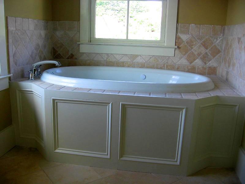 Tile And Trim Detail On Garden Tub Garden Tub On Master