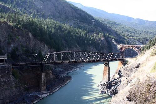 britishcolumbia railroadbridge cpr fraserriver lytton cnr canadianpacificrailway canadiannationalrailway trussbridge canadianbridge throughtruss cnrailroad decktruss deckarchtruss deckarch