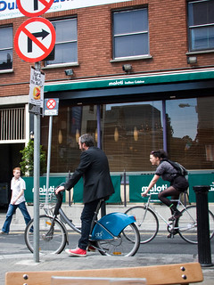 Dublin Cycle Chic - Stop and Not