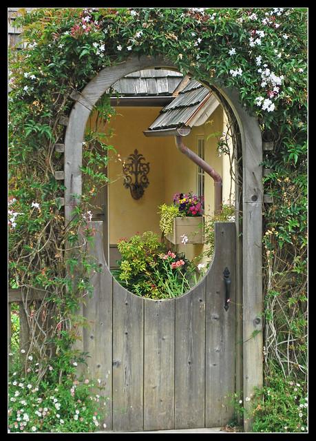 Garden gateway in carmel flickr photo sharing for Garden gateway