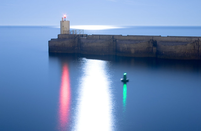 Brighton Marina Harbour Entrance Lights by flickr user dominics pics