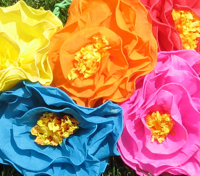 How to Make Mexican Paper Flowers