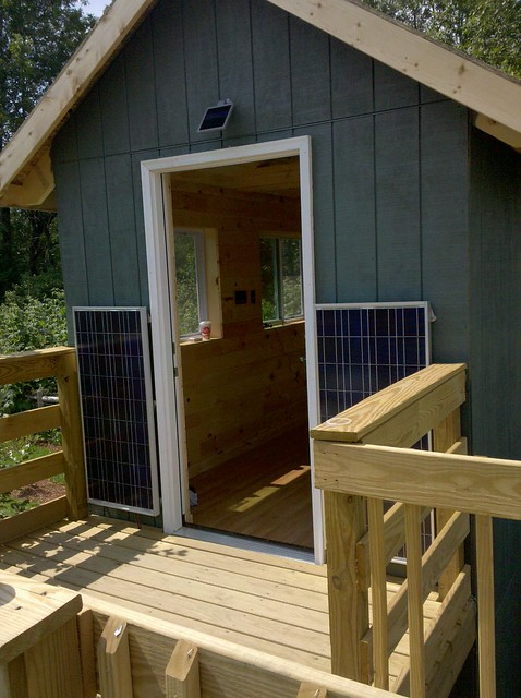 Our Little Solar Cabin Project Thehomesteadingboards Com