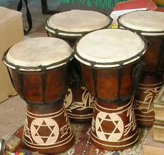 bass drum(0.0), timbale(0.0), drums(0.0), timbales(0.0), timpani(0.0), tom-tom drum(1.0), percussion(1.0), drum(1.0), bongo drum(1.0), djembe(1.0), hand drum(1.0), skin-head percussion instrument(1.0),