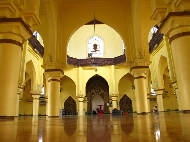 the quiapo golden mosque Golden mosque and cultural center is a popular tourist destination in manila explore golden mosque and cultural center tours to book online, find entry tickets price and timings, opening hours, address, nearby attractions and more.