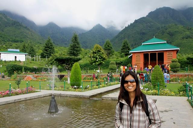 cheshmashahi gardens srinagar