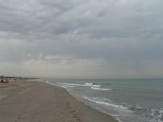 Imagine de Spiaggia comunale libera di Castelporziano lângă Villaggio Azzurro.