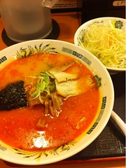 bãºn bã² huế(0.0), lamian(0.0), ramen(0.0), noodle soup(0.0), laksa(0.0), noodle(1.0), curry(1.0), kimchi jjigae(1.0), sundubu jjigae(1.0), food(1.0), dish(1.0), soup(1.0), cuisine(1.0),