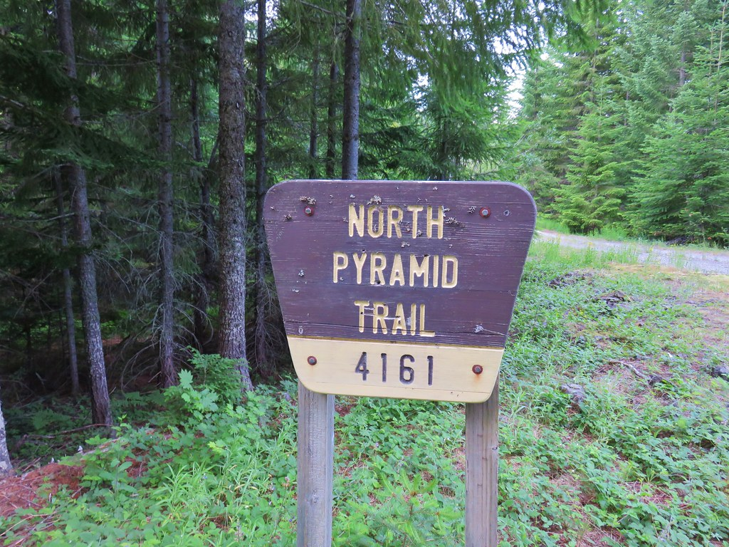 North Pyramid Trailhead