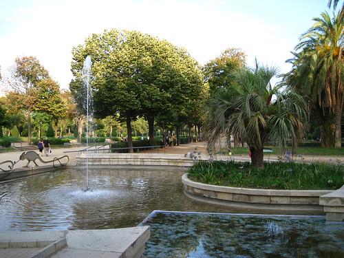 disfruta de la barcelona m s rom ntica en sus parques y