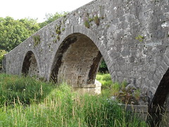 abbey(0.0), ancient history(0.0), monastery(0.0), ruins(0.0), fortification(0.0), waterway(0.0), devil's bridge(1.0), arch(1.0), aqueduct(1.0), arch bridge(1.0), viaduct(1.0), bridge(1.0),
