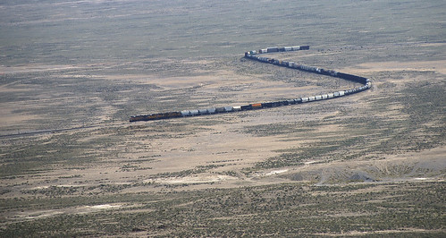 railroad train landscape desert snake nevada 1600 unionpacific cropped ola wendover lightroom freighttrain ut2009may