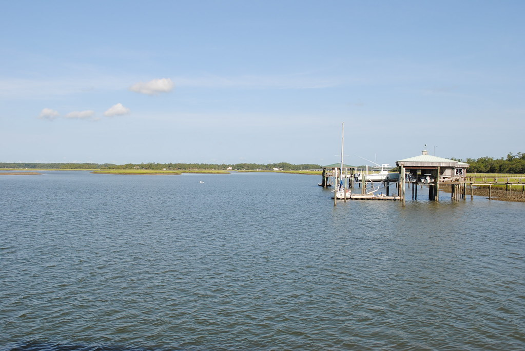 Rose island south carolina tripcarta for Hilton head fishing pier