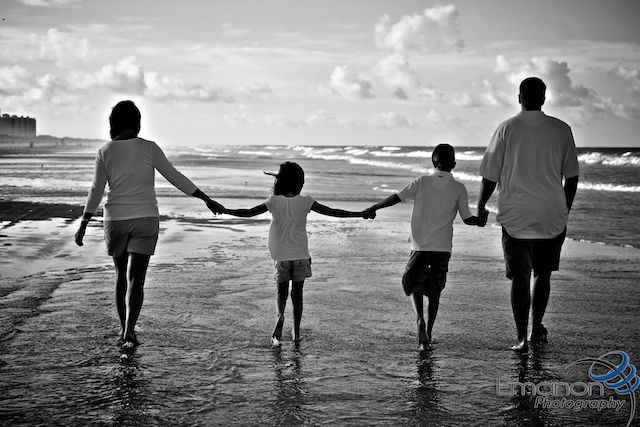Family Portrait Shoot on the Beach 1