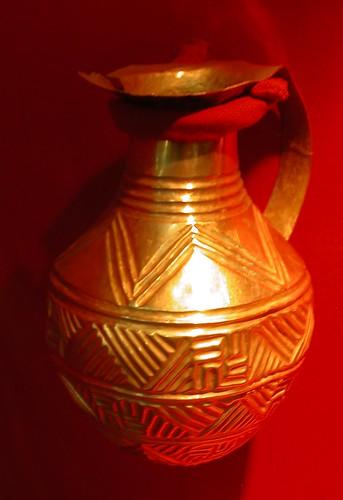 DSCN7699 Cruche en or, Alaca Höyük, 2e moitié du IIIe millénaire av. J.C.
