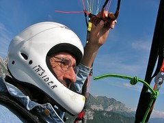 paragliding, air sports, sports, parachuting, sports equipment, windsports, powered paragliding, extreme sport,