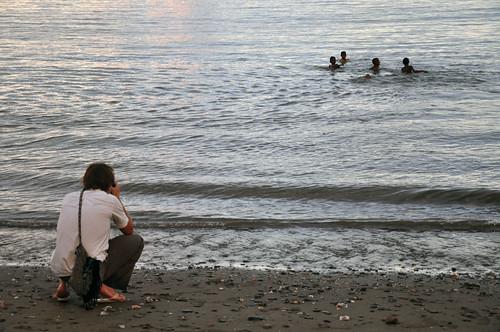 people praia coral children tim pessoa photographer child cotidiano daily criança fotógrafo easttimor timorleste díli timorense easttimorese timothystats