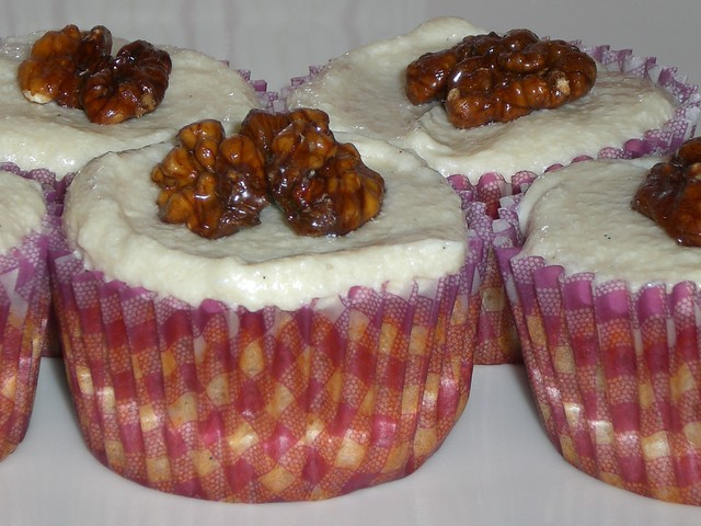walnut cupcakes | with maple syrup frosting | By: seelensturm | Flickr ...