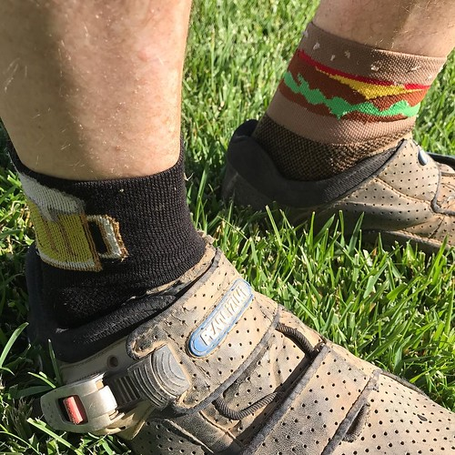 Would it be the Fourth without burgers and beer? . Post holiday mountain bike ride. . . @pearlizumiofficial @sockguyluv #sockdoping #sockgame #socklove #burger #beer #mountainbike