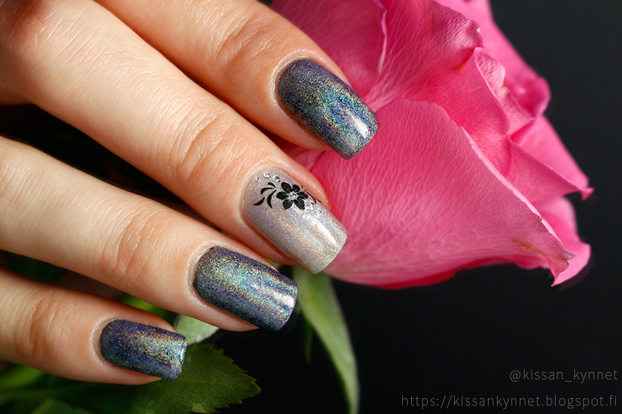 holo_powder_nail_art_3