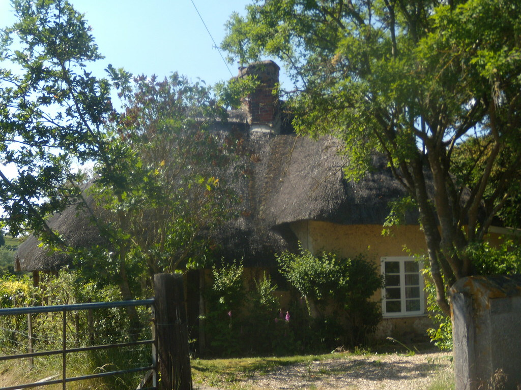 "Cabbage Cottage. ""Wattle and daub building"" mentioned in directions. Salisbury to Stonehenge to Amesbury"