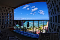 Cheap hotels in Waikiki - Balcony