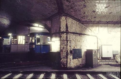 1987 Metro_02-81_Porte_Dauphine_1987_03