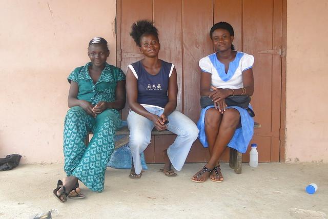 Trio of Women - Bolgatanga - Ghana - 02