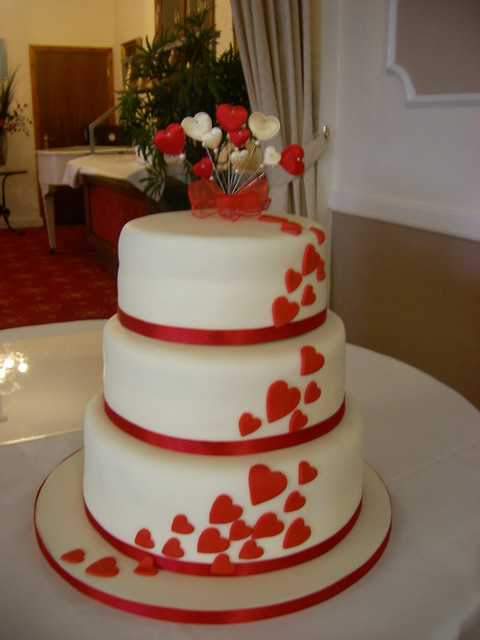 wedding cake with hearts hearts wedding cake flickr photo 26905